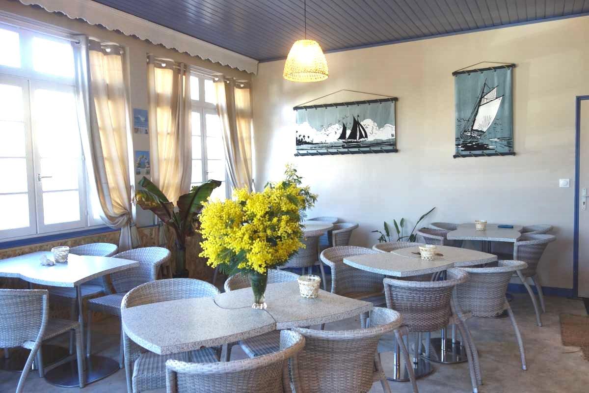 Café Fleur des Pins